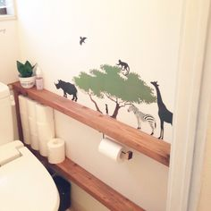 トイレのタンクを隠そうと思ったことがありますか?意外と見落としがちなトイレインテリアですが、タンクを隠すとこんなにスッキリとしたトイレができあがるんです。目からウロコのDIYアイデア&トイレタンクの目隠しインテリアを集めてみたのでご紹介します。