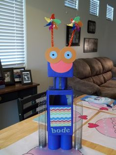 Robot Valentine's Day Box, a great Boy Valentine's Day Box idea!