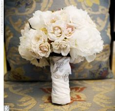 white wed bouquet