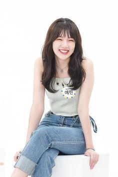 Yerin Kpop Girl Groups, Korean Girl Groups, Kpop Girls, Asian Woman, Asian Girl, My Girl, Cool Girl, G Friend, Beautiful Asian Women