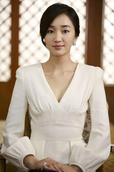 Soo-ae a Gripe Korean Beauty, Asian Beauty, Asian Woman, Asian Girl, Asian Ladies, Stars Then And Now, Instyle Magazine, Cosmopolitan Magazine, Cute Korean Girl