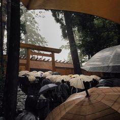 お清め雨の中、無事に #豊受大神宮 ( #外宮 )へ初穂をお届けしてきました。