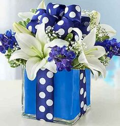 Creative and beautiful box flower arrangement home decor ideas 22