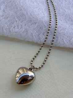 Gargantilha Coração Bolinha - Ball Chain Heart Necklace | Beat Bijou