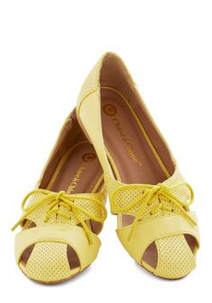 Cute flats in #yellow http://rstyle.me/n/icsmdnyg6