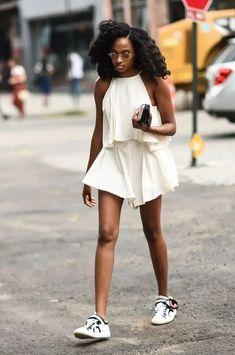 Stuck in a style rut? Let these 31 fashionable ladies inspire your wardrobe all month long. #fashion #style #sneakers August Outfits, Street Style Inspiration, Style Ideas, Trendy Summer Outfits, Outfit Summer, Summer Clothes, Fall Outfits, Casual Outfits, Muscle