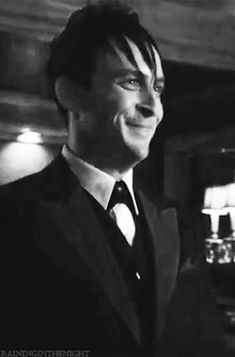 Robin Lord Taylor GIF HUNT This gif hunt contains gifs of Robin Lord Taylor. Gotham Show, Penguin Gotham, Riddler, Lord & Taylor, Robin, Fangirl, Beautiful People, Batman, Board