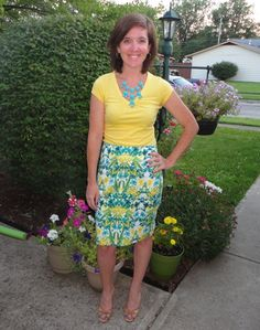 yellow t-shirt, floral skirt, turqouise necklace, nude heels, yellow and turqouise color combo, summer work style, work outfit, outfit