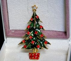 Vintage Enamel Christmas Tree Rhinestone Ornaments and Star and Red Stand Brooch #UnsignedBeauty #EnamelRhinestonesChristmasTreeBroochorPin