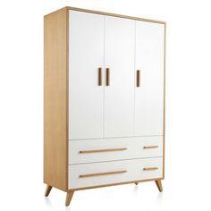 Precioso armario, color madera y blanco, con 3 puertas y 4 cajones.  Takata 1.638€