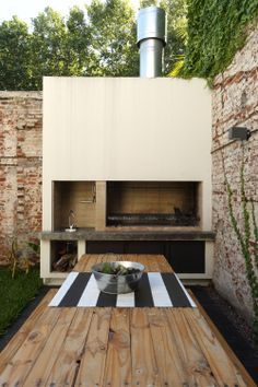 If you have the space in your yard, check out the outdoor kitchen ideas total wi. - If you have the space in your yard, check out the outdoor kitchen ideas total with bars, seating ar - Patio Bar, Backyard Patio, Outdoor Kitchen Bars, Outdoor Kitchen Design, Outdoor Kitchens, Kitchen Modern, Parrilla Exterior, Brick Bbq, Built In Grill