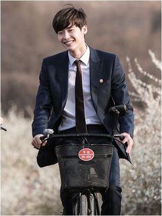 Lee Jong Suk Doctor Stranger kdrama Still
