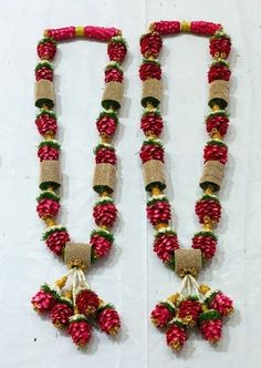 Jhh Indian Wedding Flowers, Flower Garland Wedding, Floral Garland, Flower Garlands, Floral Wedding, Wedding Stage, Wedding Events, Hair Garland, South Indian Weddings