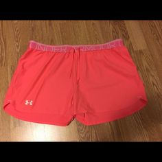 Under Armor Running shorts!! Worn a couple of times! Under Armour Shorts