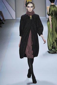 Monique Lhuillier Fall 2008 Ready-to-Wear Fashion Show - Inna Pilipenko
