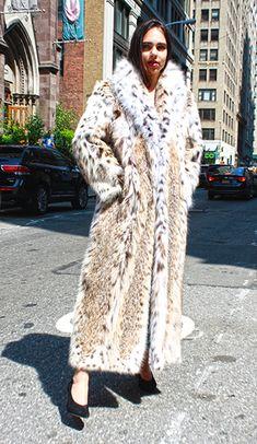 Full Length American Cat Lynx Fur Coat1 Fetish Fashion, Fur Fashion, Fashion Outfits, Womens Fashion, Lynx, Tiger Cubs, Tiger Tiger, Bear Cubs, Bengal Tiger