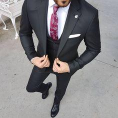 men s suits for sale Men's Suits, Cool Suits, Black Three Piece Suit, Mens Fashion Suits, Fashion Outfits, Fashion Scarves, Men's Fashion, Luxury Fashion, Ropa Semi Formal