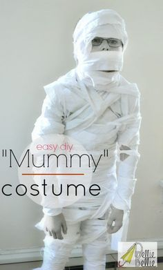 Step by step, easy to follow tutorial for a homemade diy mummy costume perfect for Halloween! Inexpensive, fun, and easy!