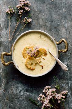 Krämig blomkåls soppa med curry