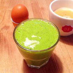 Goedemorgen Dag 149!!! Aan Deze heerlijke groene smoothie heb ik een extra dimensie toegevoegd: bevroren ananas mmmm.... Verder 1 50gr bladspinazie 50gr gekookte broccoli 2tl Chiazaad 150ml biologisch kokoswater 1 bevroren ananasschijf #lekker #ontbijt #breakfast #smoothie #greensmoothie #groenegroentesmoothie #groentesmoothie #healthy #healthyfoods #healthysnack #healthyeating #healthybreakfast #healthylifestyle #healthynutrition #nutrition #gezond #gezondeten #gezondleven #gezondesnack…