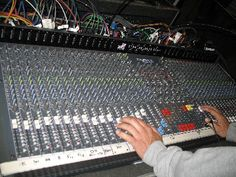 10 ways to annoy your audio engineer - sound engineering - music studio stuff by cSw - http://www.pinterest.com/claxtonw/