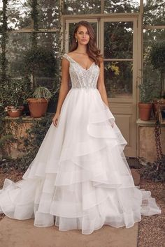 Show off your style in this Justin Alexander Ball gown. Style 88160 featuring a V-Neck with Straps neckline. Browse this style! Wedding Dress Shopping, Dream Wedding Dresses, Designer Wedding Dresses, Bridal Dresses, Wedding Gowns, Allure Bridals, Corsage, Justin Alexander, Bridal Gallery