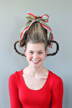 DIY tutorial on how to style your hair like a Who from Whoville