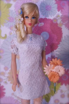 even Barbies hair is perfect. makes me jealous, I love her blonde locks.