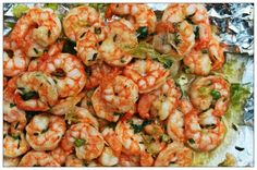 Healthy Grilled Shrimp Marinade 1 Pound Shrimp (Peeled and Deveined) 1/4 Cup Extra-Virgin Olive Oil 2 Tbsp Fresh Lime Juice 4 Tbsp Chopped Green Onion Shoots 2 Tbsp Fresh Thyme 2 Tbsp Parsley 1 Tbsp Freshly Chopped Garlic 1 Tbsp Raw Honey Sea Salt and Freshly Ground Pepper to Taste