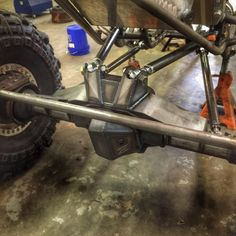 Rock crawler rear suspension