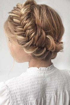 Pick one of braided hairstyles if you have no idea how to style your hair for a Valentines Day date. Believe it or not, braids are always trendy. #hairstyles #longhairstyles #braidedhairstyles