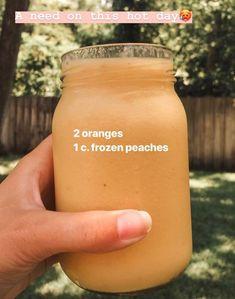 Fruit Smoothie Recipes, Yummy Smoothies, Juice Smoothie, Smoothie Drinks, Yummy Drinks, Healthy Drinks, Healthy Snacks, Healthy Nutrition, Drink Recipes