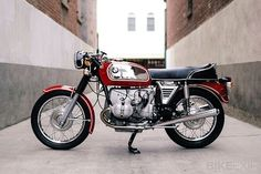 "1972 BMW R75/5 – A ""Traditional Custom"" 