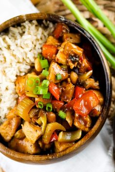 Chicken 🐔 Kung Pao is a typical Sichuan Chinese cuisine. The name of this cuisine comes from the title of the official of the Qing Dynasty. Qing Baozhen Ding was the head of Shandong province and then governor of Sichuan province. #chicken #chickenrecipes #chickensofinstagram #chickensandwich #chickensalad #chickennuggets #chickendinner #chickenburger #chickenrice #chickenlover #chickeneggs #chickenteriyaki #chickenwrap Greek Recipes, Quick Recipes, Quick Easy Meals, Asian Recipes, Healthy Cooking, Healthy Foods, Healthy Eating, Cooking Recipes, Healthy Recipes