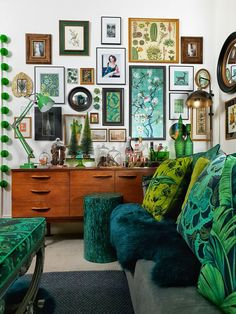 Amanda Cotton of HouseLust. A Colourful, Victorian Home Renovation A Colourful Victorian Terrace Amanda Cotton of HouseLust. A Colourful, Victorian Home Renovation Green Sofa, Green Walls, Deco Design, Home And Deco, Eclectic Decor, Eclectic Gallery Wall, Eclectic Taste, Quirky Home Decor, Eclectic Design