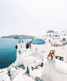 The way every Monday should start 🙌🏼 RG: @gypsea_lust | #santorini #greece #wanderlust #lifestyle #travel #dreaming #regram #exciteholidays #excitetravels wanderlust #lifestyle #view #summervibes #dreaming #aegeansea #traveller #exciteholidays #regram #holiday #travelblogger #excitetravels #summer #beautifuldestinations #destination #europe #greece #travelgram #europeansummer #igers #ocean #lifewelltravelled #travel #eurotrip #blogger #travels #traveldestinations #bloggerlife #traveligers…