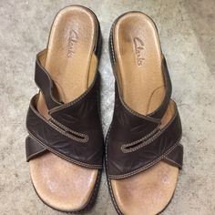 Clark brown sandals great condition ! Clark brown sandals great condition ! Very comfortable and had a good rubber sole Shoes Sandals