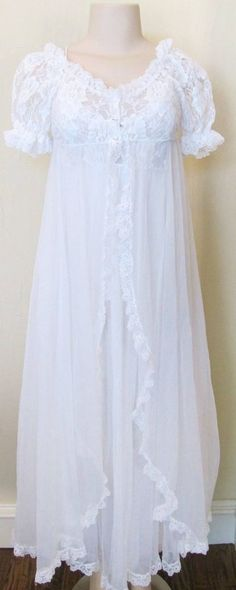 Vtg TOSCA White Bridal Full Sweep Chiffon Lace Negligee Peignoir Set Robe Gown S #TOSCA