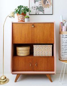 MY ATTIC / upcycling vintage furniture / secretary Photography: Marij Hessel 60s Furniture, Mid Century Furniture, Repurposed Furniture, Furniture Makeover, Deco Retro, Interior Decorating, Interior Design, Interior Styling, Design Design