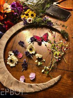 Wreath Crafts, Diy Wreath, Twine Crafts, Wreath Ideas, Holloween Wreaths, Diy Halloween Decorations, Fall Decorations, Dollar Tree Pumpkins, Dollar Tree Crafts