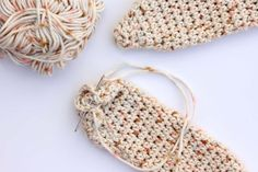 59ff38dd2bb89 Cómo hacer un gorro para bebé en crochet con forma de conejo