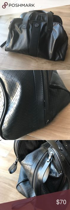 Lululemon leather gym bag black Amazing bag and extremely spacious! Work well. lululemon athletica Bags Shoulder Bags