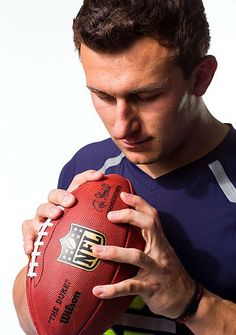 He's saying and doing all the right things, but can Johnny Manziel prove himself worthy of being the No. Plus, the Niners-Browns mess, a way-too-early Top 10 mock draft and more from the combine in Indy College Football Players, National Football League, Nfl Football, American Football, Monday Morning Quarterback, Cleveland Browns Football, Johnny Manziel, Football Conference, Mississippi State