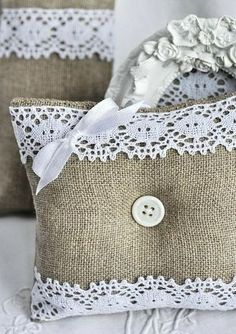 burlap crafts projects | Burlap and lace pillows | Craft Projects