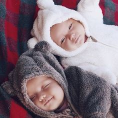 57 Ideas Baby Twins Pictures For 2019 So Cute Baby, Cute Baby Twins, Twin Baby Boys, Baby Kind, Twin Babies, Cute Baby Clothes, Little Babies, Boy Girl Twins, Adorable Babies