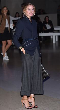 Street style look Olivia Palermo Estilo Olivia Palermo, Look Olivia Palermo, Olivia Palermo Lookbook, Fashion Mode, Work Fashion, Fashion Week, Fashion Looks, Classic Fashion, Fashion Trends