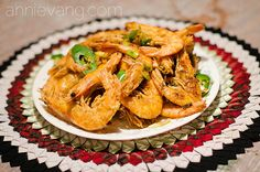 Annie Vang's Salt and Pepper Shrimp Recipe Seafood Dishes, Seafood Recipes, Dinner Recipes, Cooking Recipes, Asain Food, Salt And Pepper Shrimp, Laos Food, Asian Recipes, Ethnic Recipes