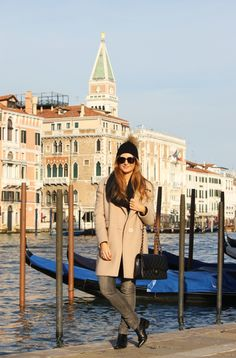 BLACK AND CAMEL IN VENICE