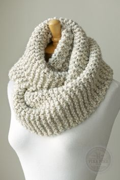 Knit scarf, chunky knitted infinity scarf in Pale Brown or Beige, circle scarf, knit eternity scarf, warm and soft