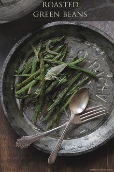 Roasted Green Beans | www.diethood.com | #recipe #vegetables #sidedish